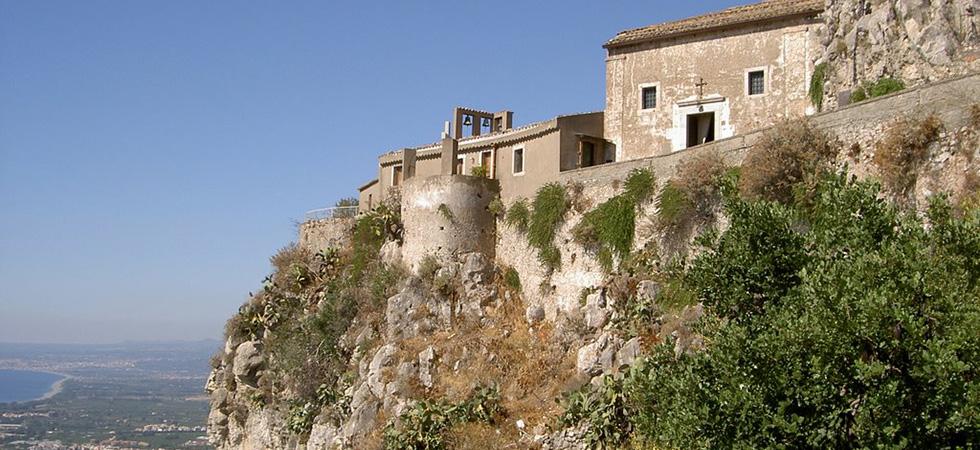 The walking paths to taormina and castelmola hotel palladio - Hotel palladio giardini naxos ...