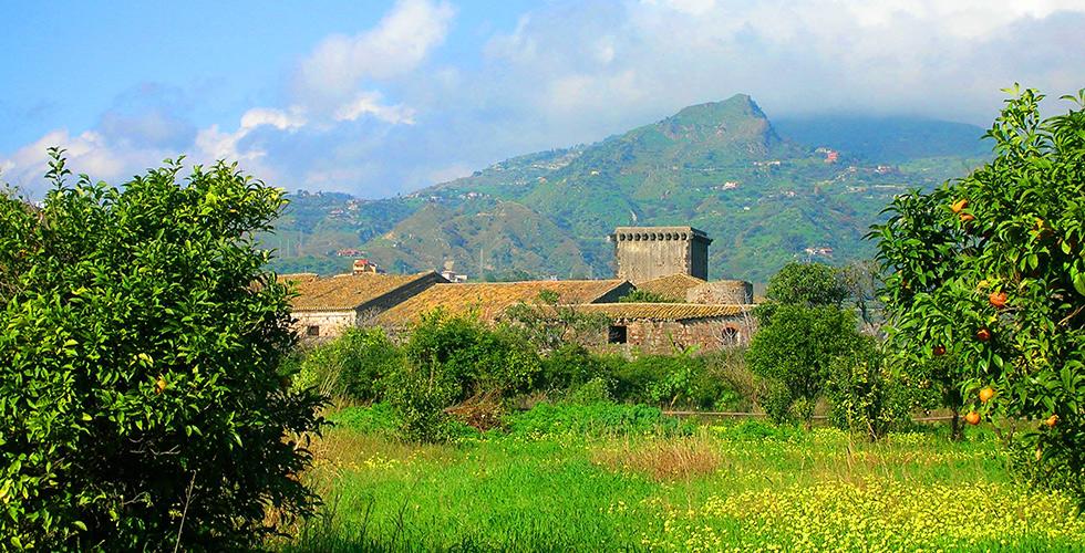 Il Castello di Schisò nel Parco archeologico di Naxos e Taormina