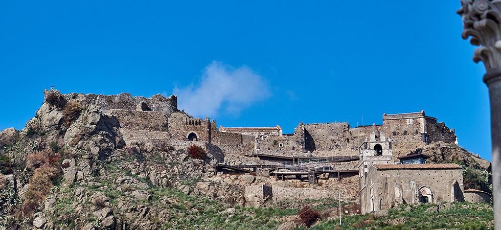 castello-di-calatabiano