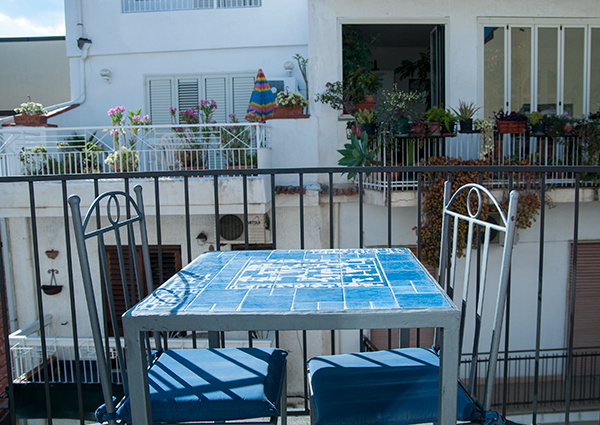 balcone-economy-citta